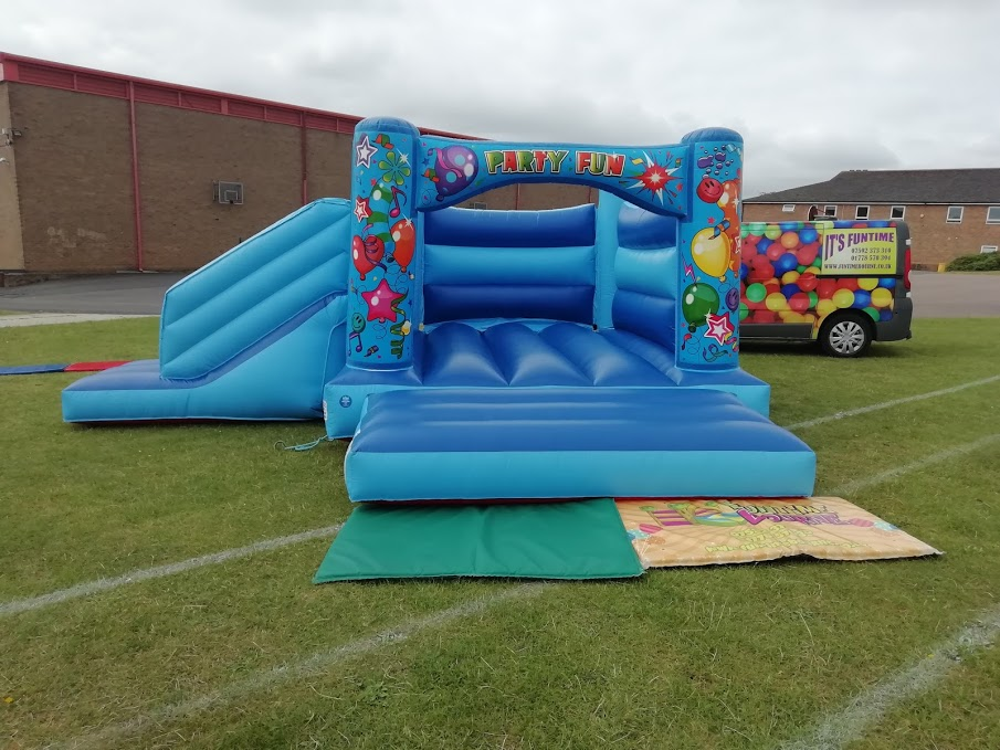 Beetee Barnsley Bouncy Castle