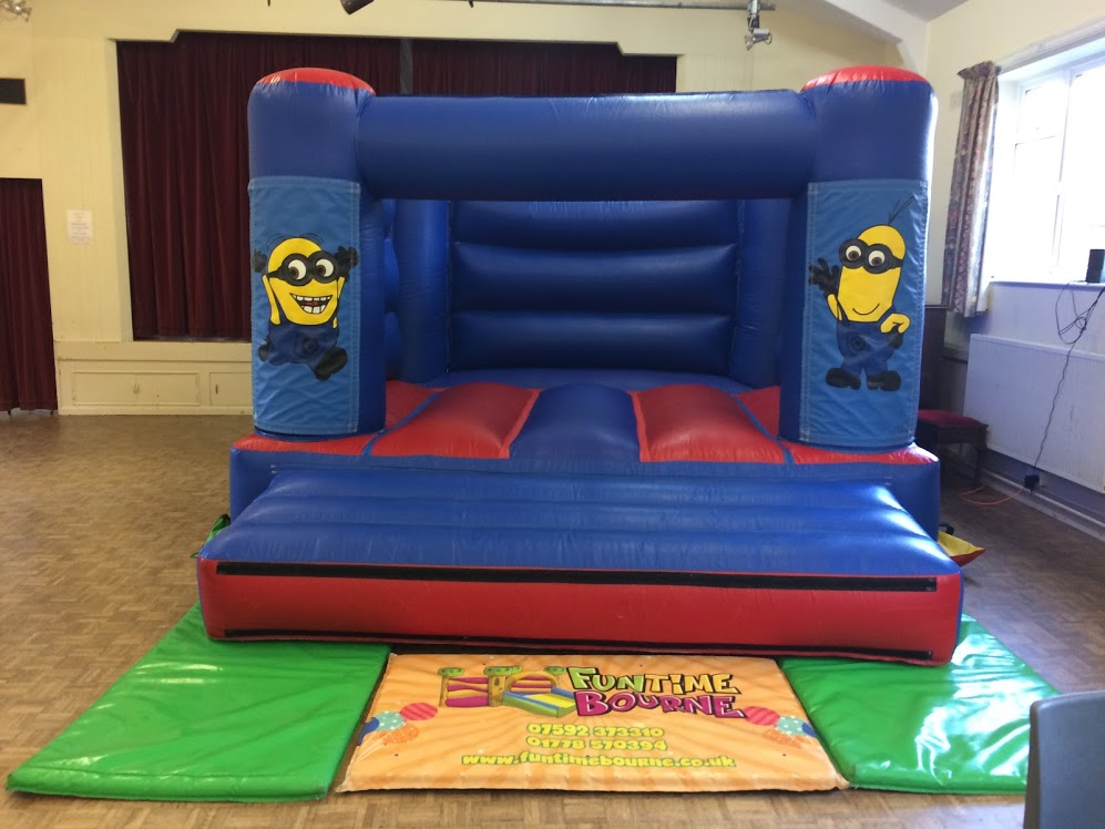 Bouncy Castle Bourne - Small Minions Castle