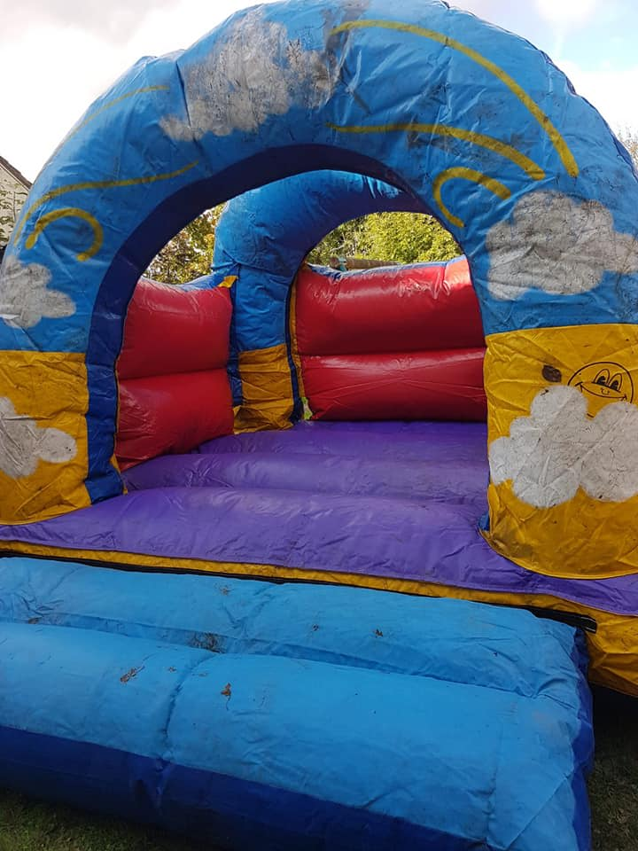 Cheap bouncy castle hire